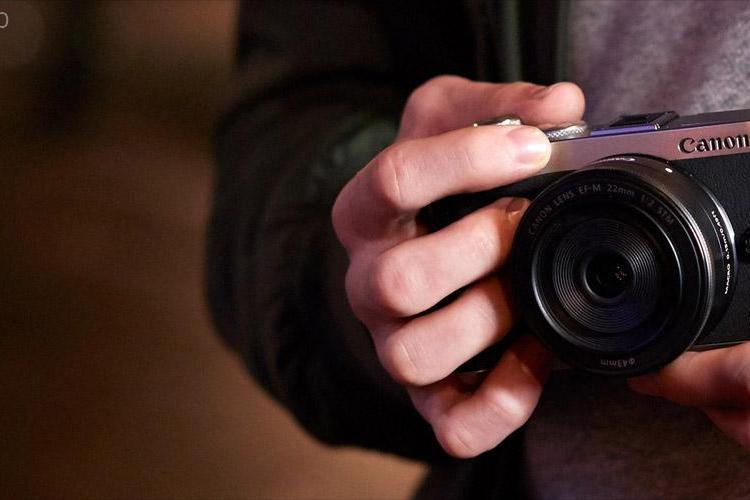Cluj: Zece copii sărmani de la țară au prima lor expoziție de fotografie