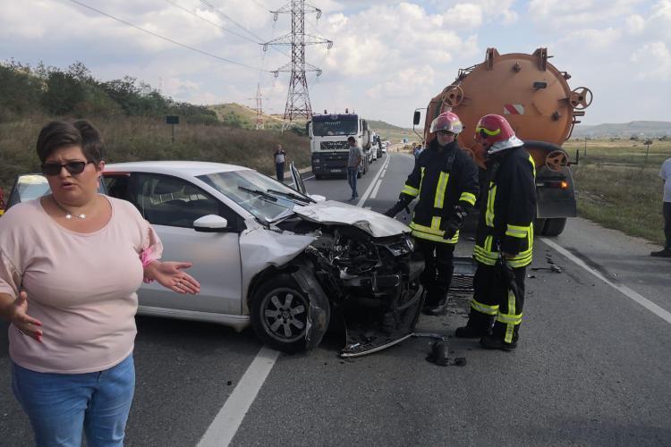Accident pe centura Apahida! O șoferiță a depășit hazardat un autocar - FOTO