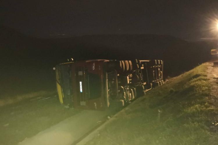 Tiristul beat la volan, care s-a răsturnat pe centra Cluj-Apahida, reținut de polițiști