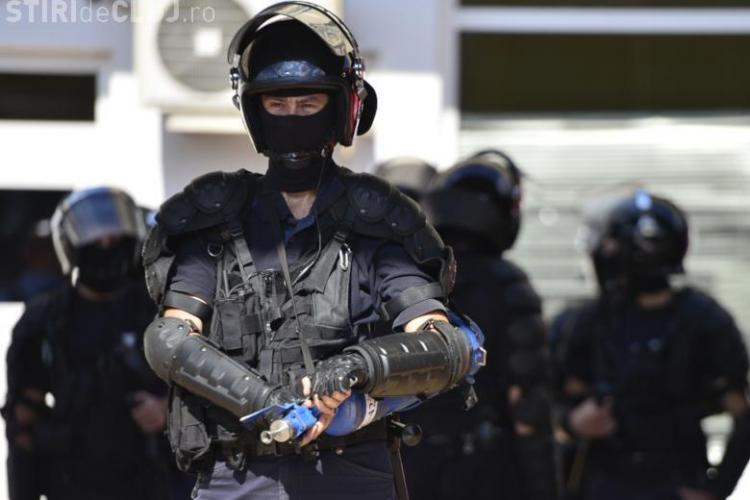 Jandarmul care a insultat un medic în 10 august a mers la el cu copilul bolnav de autim