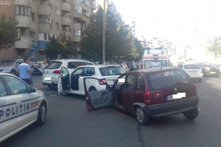 Accident GRAV pe Dorobanților! Cinci mașini avariate FOTO / UPDATE