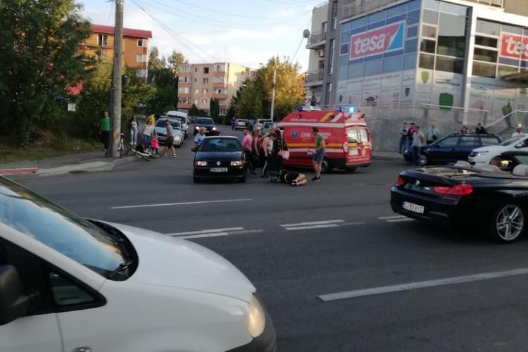 Accident în Zorilor! Un biciclist a fost lovit de mașină FOTO