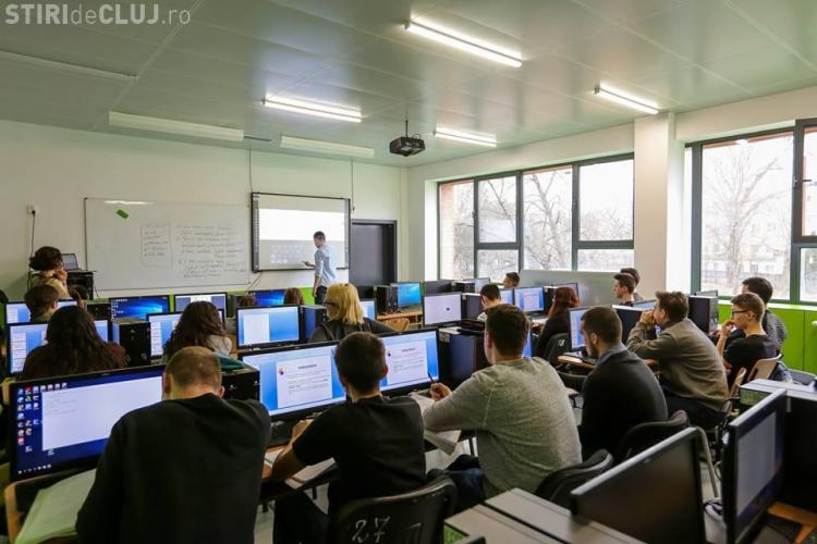 Primăria Cluj-Napoca se laudă că a investit 3 milioane de euro în școli