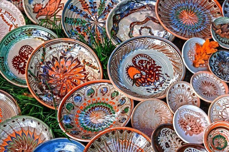 Guvernul cumpără ceramica românească de 500.000 de euro pentru perioada Preşedinţiei Consiliului UE