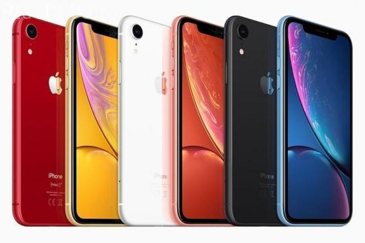 """Varianta """"ieftină"""" de iPhone X s-a lansat la precomandă. Cât costă în România"""