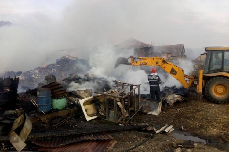 Incendiu în satul Pâglișa, comuna Dăbâca. Patru care sunt afectate - VIDEO