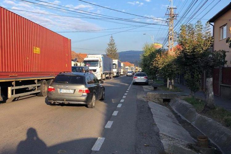 Autostrada inaugurată vineri a DISTRUS complet traficul rutier în Baciu - FOTO