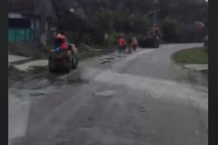 Drum PLOMBAT în aprilie de CJ Cluj, între Câmpia Turzii și Frata, e acum un DEZASTRU - VIDEO