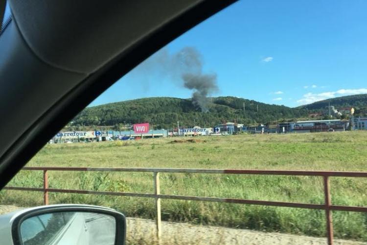 Incendiu la o rulotă la Cluj FOTO