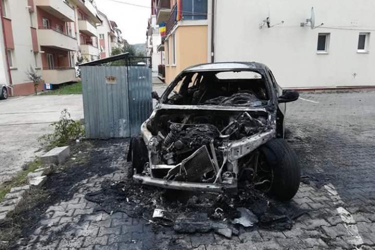 BMW X6 a luat foc în Florești. Act MAFIOT? - FOTO