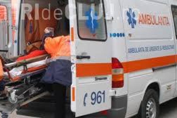 Șoferiță rănită după ce a făcut accident pe Calea Turzii. A adormit la volan