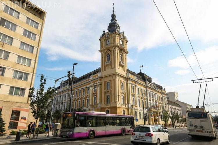 Ce salarii FRUMOASE se dau în Primăria Cluj-Napoca. Nu e de mirare ca sunt angajați cu toată familia