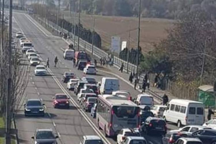 Pieton lovit la Praktiker, în Florești! Trafic blocat, toți șoferii diperați pe Facebook