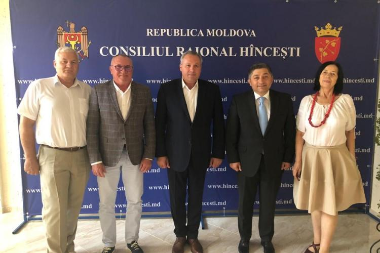 Spitalul de copii Cluj se dezintegrează, dar Consiliul Județean Cluj alocă 500.000 de euro pentru dotarea unui spital din Republica Moldova