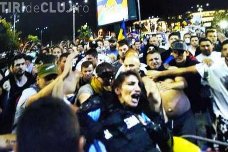 Jandarmerița bătută de protestatari: S-ar fi vrut să ies în scaun cu rotile ca să impresionez?
