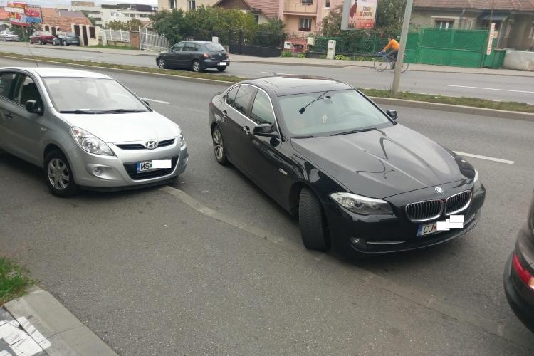 Cluj: Parcare de barosan cu BMW pe Calea Turzii - FOTO