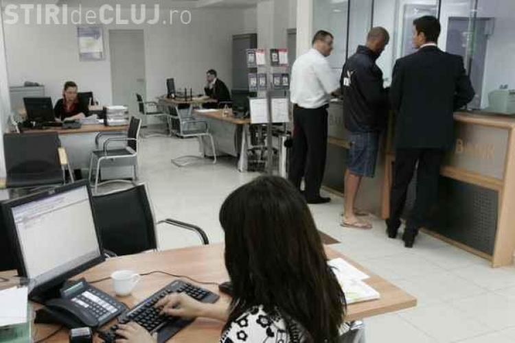 Ministrul Finanțelor vorbește de concedieri în sistemul bugetar: Unul munceşte şi trei stau