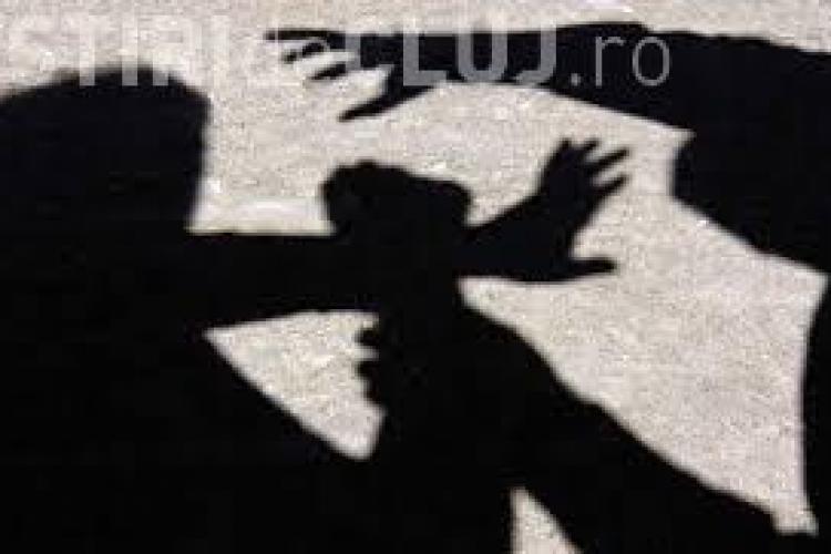 Infractor prins la două luni după ce a tâlhărit o femeie în Gheorgheni. A agresat-o în plină stradă