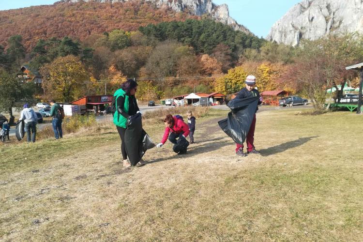 Nouă acțiune de ecologizare în Cheile Turzii  - FOTO