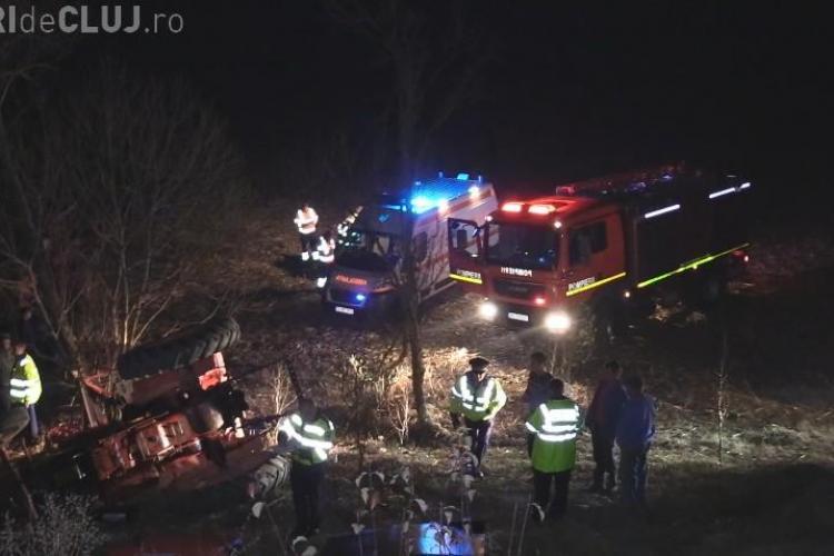 Cluj: Un bărbat a murit după ce tractorul s-a răsturnat peste el - VIDEO