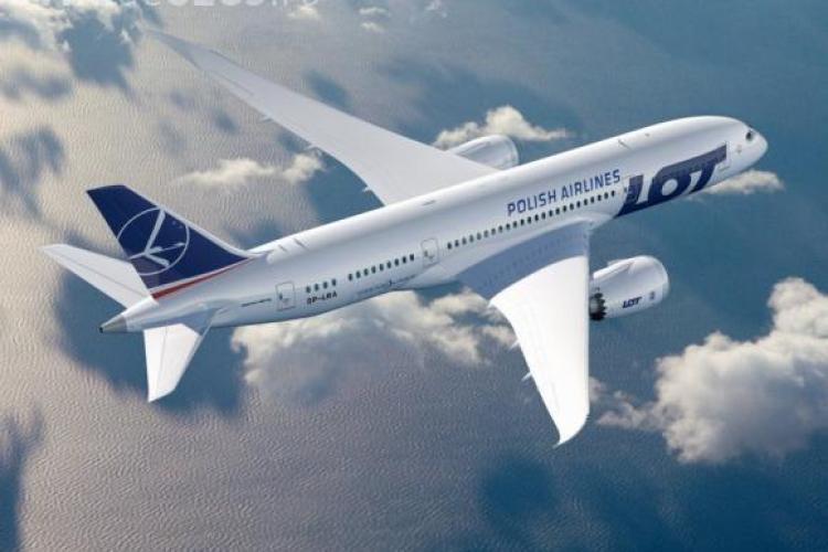 Nu e glumă! Pasagerii unui zbor LOT au adunat bani pentru a cumpăra o piesă pentru avion