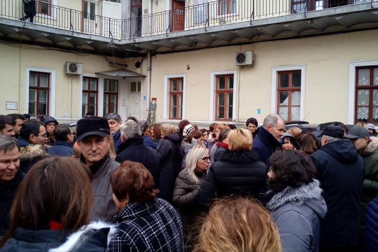 Protest spontan la ANAF Cluj - FOTO