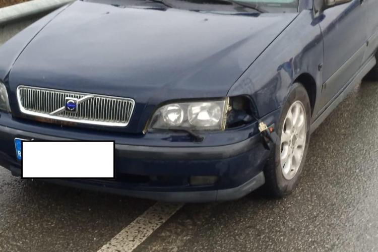 """""""Pericol public"""" pe drumurile Clujului: Un șofer cu alcoolemie RECORD a ajuns în arest. A fost oprit de cetățeni, după ce a lovit o mașină FOTO"""