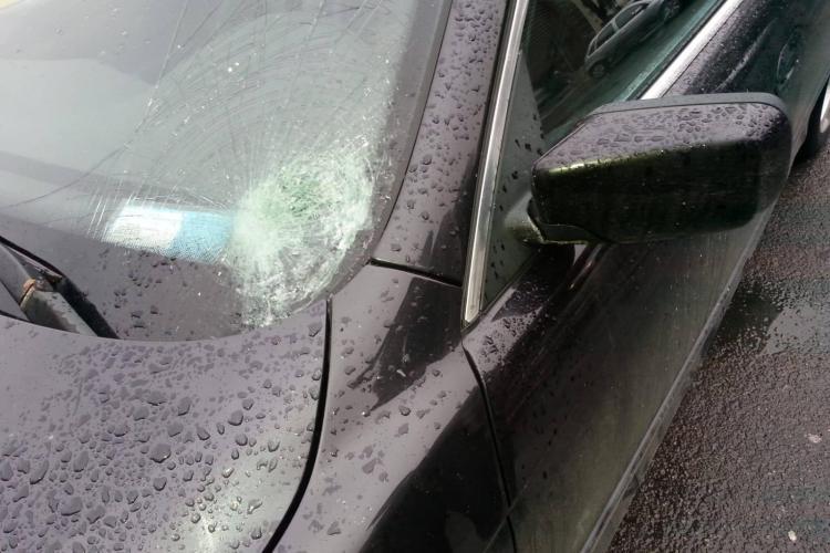 Accident în Florești. Femeie lovită pe trecerea de pietoni - FOTO