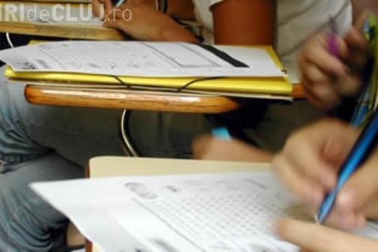 Se amână introducerea testelor grilă la Bacalaureat şi Evaluarea Naţională