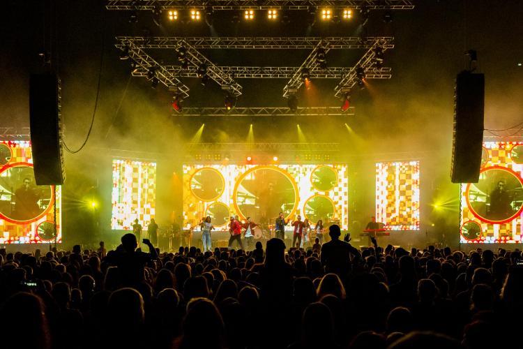 Smiley a făcut senzație la Cluj. Concertul a fost deschis de Seredinschi și Katia - VIDEO