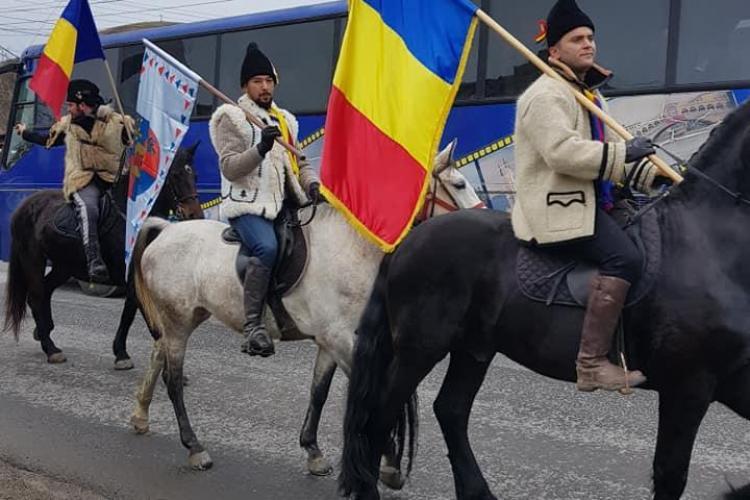 Călăreții din Satu Mare și Oaș, care merg la Marea Unire de la Alba, primiți la Biserica din Luna de Sus - VIDEO