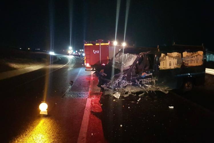 Accident la Răscruci, pe drumul Cluj-Gherla. Rulota s-a împrăștiat pe drum - FOTO