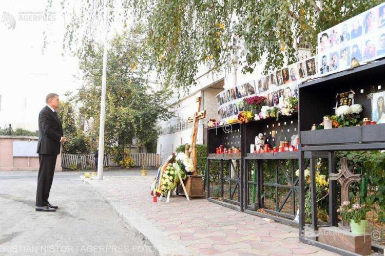 Klaus Iohannis a depus o coroană în memoria victimelor de la Colectiv