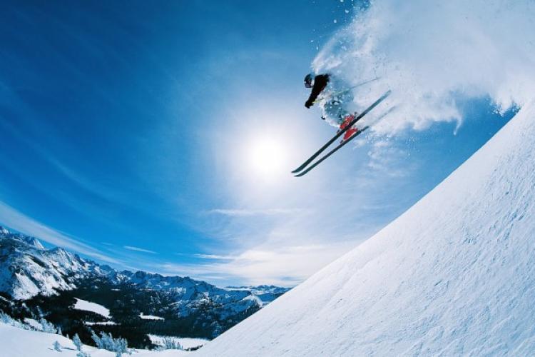 """Dr. Ion Bogdan Codorean, """"Ortopedul vedetelor"""" - Ce să faci în cazul accidentelor la schi"""