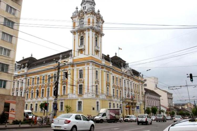 Bugetarii de lux din Primăria Cluj primesc creșteri salariale: 4.400 lei ia portarul