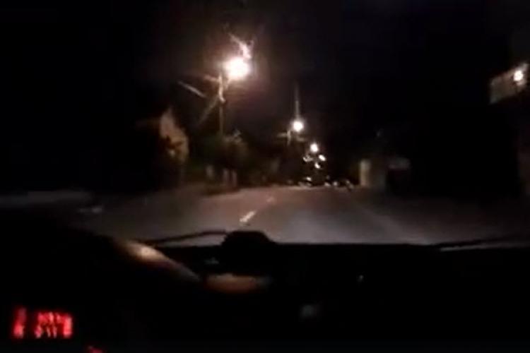 """Scandal în taxi la Cluj! """"Pasagerul"""" a adormit în mașină și n-a mai avut bani de cursă - VIDEO"""
