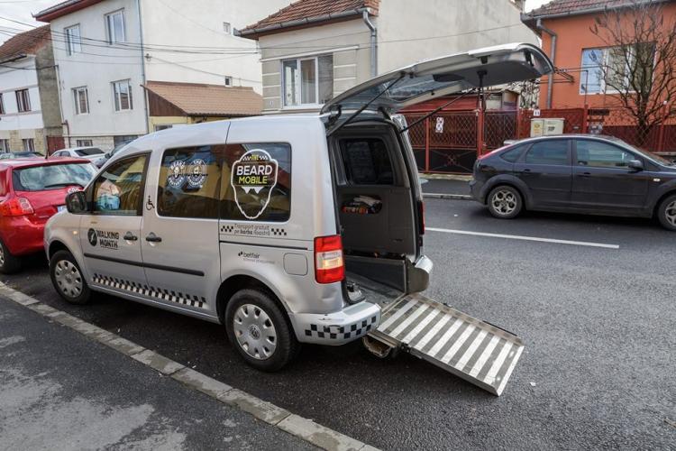 """""""The Beard Mobile"""" -taxiul comunitar primește 15.000 de lei de la Primărie"""