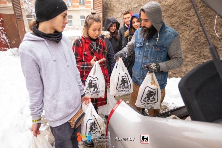 Nepoți de Crăciun a ajuns la ediția 9. Sunt ajutați bunici din Cluj și Alba