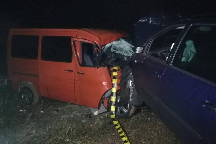 """Un șofer beat la volan a făcut """"dezastru"""" în Florești. A lovit mai multe mașini parcate FOTO"""