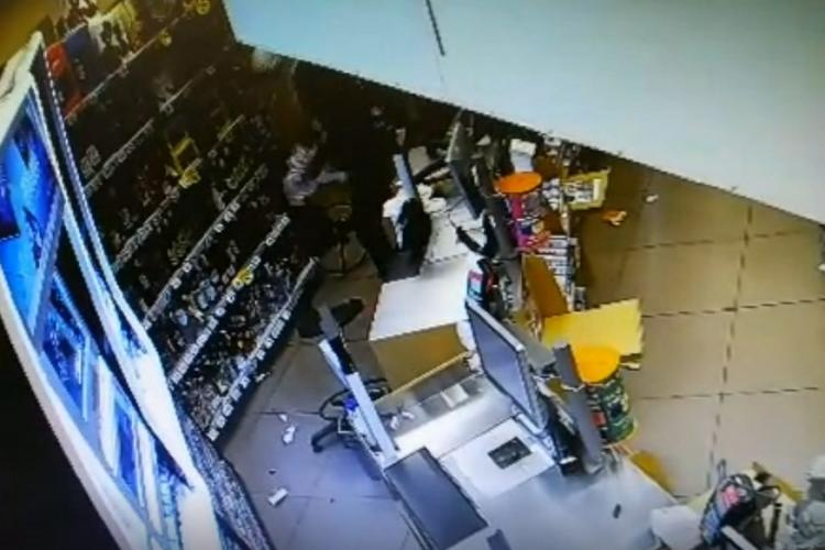 Hoț prins după ce a spart un magazin în gara din Cluj FOTO
