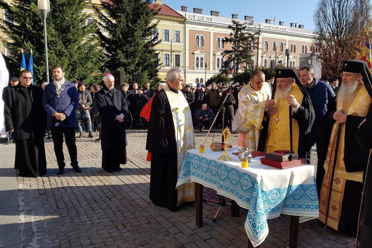 Statuile Mitropolitului Bartolomeu și a episcopului Nicolae Ivan, dezvelite la Cluj - VIDEO