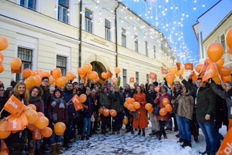 Cioloș și-a lansat la Cluj Partidul PLUS. De ce a abandonat Mișcarea România Împreună - FOTO