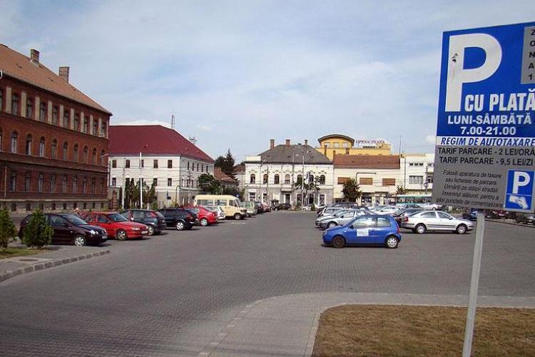 Parcările din centrul Clujului se scumpesc MULT. Va fi mai ieftin cu taxiul