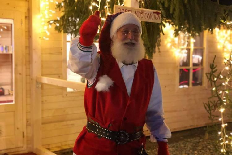 Moșul a ajuns în Satul lui Moș Crăciun din Florești - FOTO