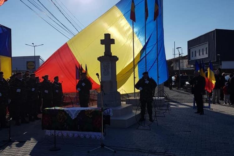 Defilări la Florești și inaugurarea celui mai mare catarg din Transilvania - VIDEO