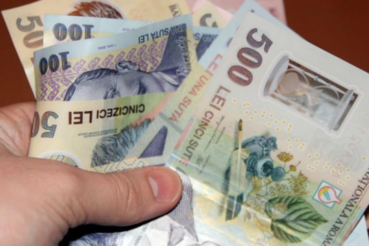 Guvernul dă OUG pentru înghețarea salariilor și pensiilor