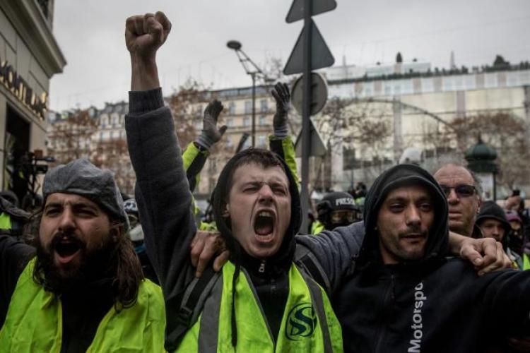 Peste 1.200 de protestatari au fost arestați în Franța, după manifestările de sâmbătă