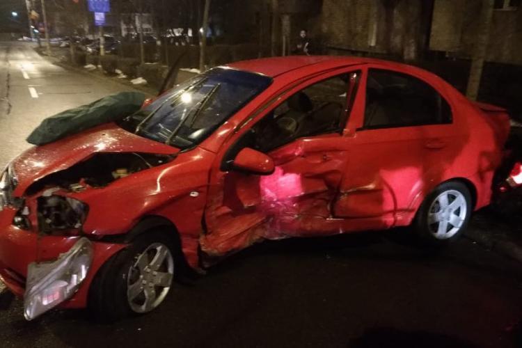 Accident cu 3 mașini pe Dorobanților. Traficul a fost deviat FOTO