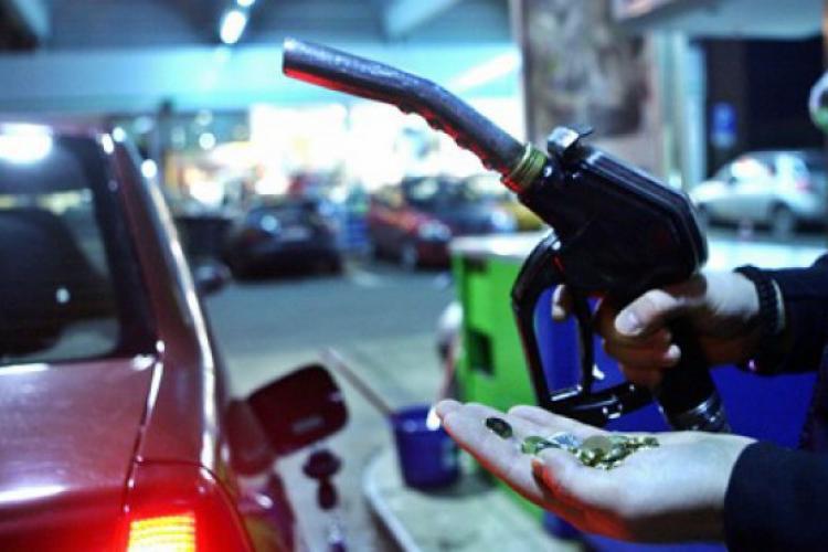 Ministrul Finanțelor, Eugen Teodorovici, vrea să ÎNGHEȚE prețul carburanților