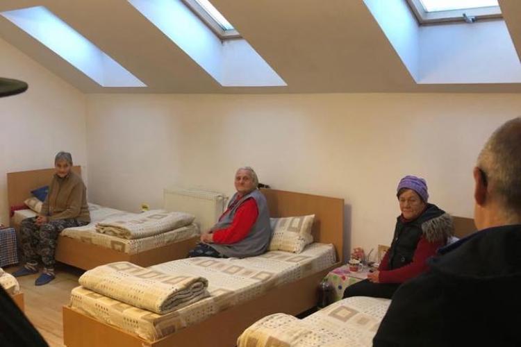 Pe gerul de afară, Primăria Cluj-Napoca asigură 110 locuri de cazare pentru cei fără adăpost